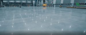 haarlem lichtreflectie 300x123 - Betonvloer hiperfloor